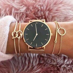 4 piece bracelet bangle set gold Color